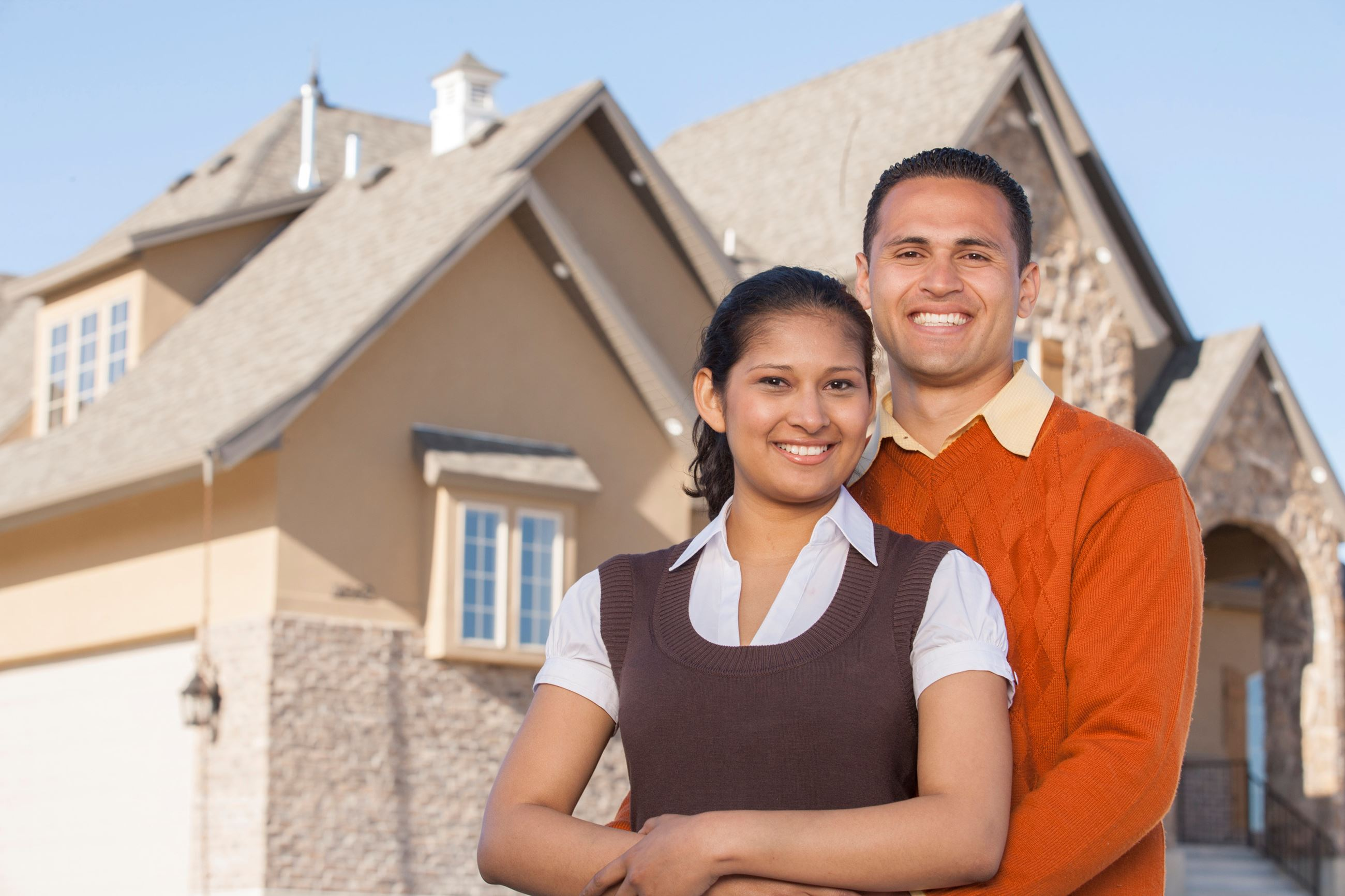 couple-with-new-home_rFgxHxN0Hj